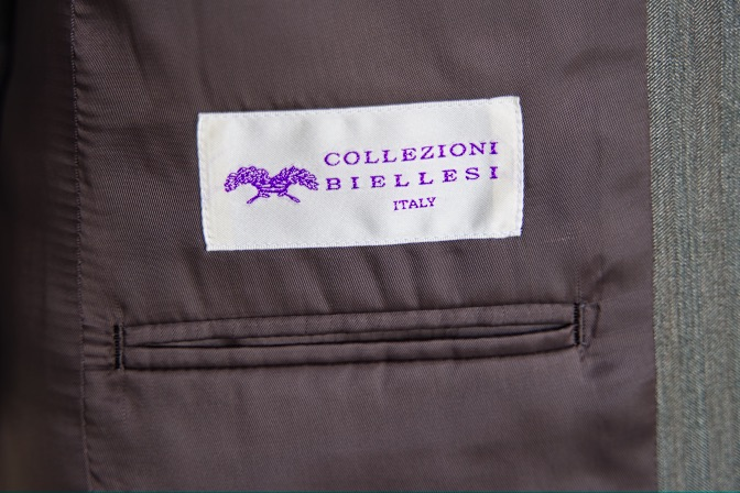 DSC08775 オーダースーツの紹介-Collezioni Biellesiグリーンソラーロスリーピーススーツ-