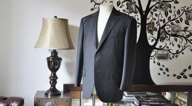 お客様のスーツの紹介-DUGDALEブラックストライプスーツ-