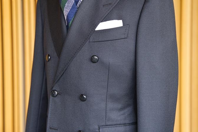 DSC08793 オーダースーツの紹介-Savile Cliffordブラックダブルスーツ-