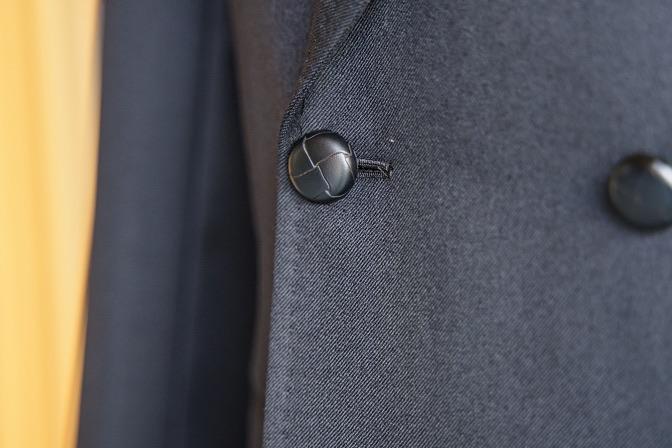 DSC08795 オーダースーツの紹介-Savile Cliffordブラックダブルスーツ-
