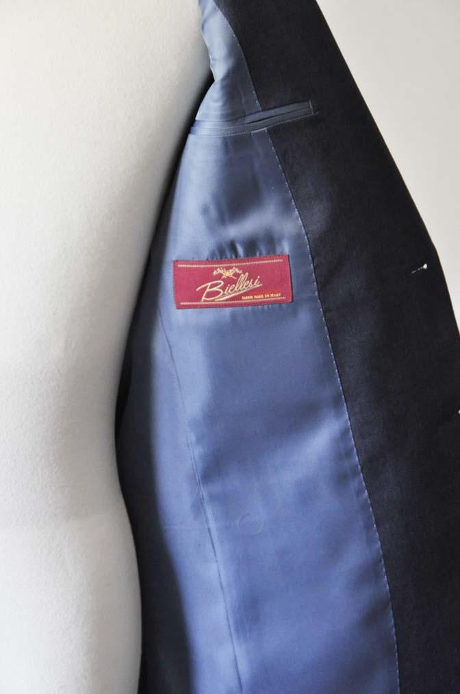 DSC0880-1 お客様のスーツの紹介- Biellesi 無地ネイビースリーピーススーツ-