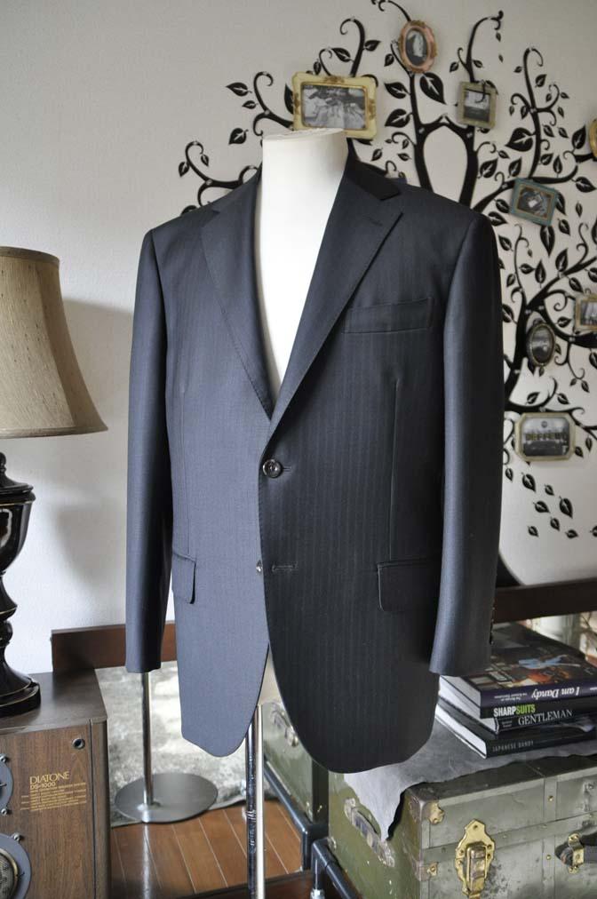 DSC0881-6 お客様のスーツの紹介-DUGDALEブラックストライプスーツ- 名古屋の完全予約制オーダースーツ専門店DEFFERT