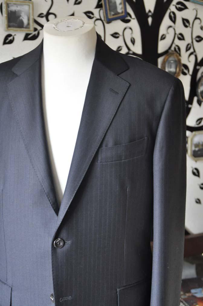 DSC0883-5 お客様のスーツの紹介-DUGDALEブラックストライプスーツ- 名古屋の完全予約制オーダースーツ専門店DEFFERT