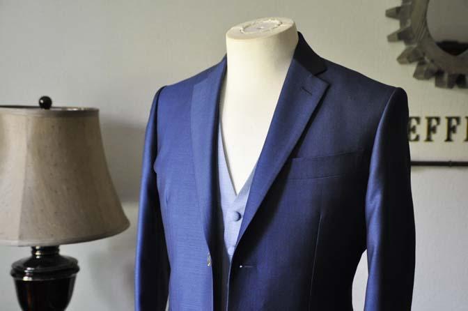DSC0884-1 お客様のハワイウエディング衣装の紹介- ネイビージャケット、ブルー千鳥格子ベスト、ホワイトパンツ-DSC0884-1 お客様のハワイウエディング衣装の紹介- ネイビージャケット、ブルー千鳥格子ベスト、ホワイトパンツ- 名古屋市のオーダータキシードはSTAIRSへ