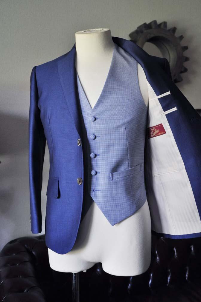 DSC0886-1 お客様のハワイウエディング衣装の紹介- ネイビージャケット、ブルー千鳥格子ベスト、ホワイトパンツ- 名古屋の完全予約制オーダースーツ専門店DEFFERT