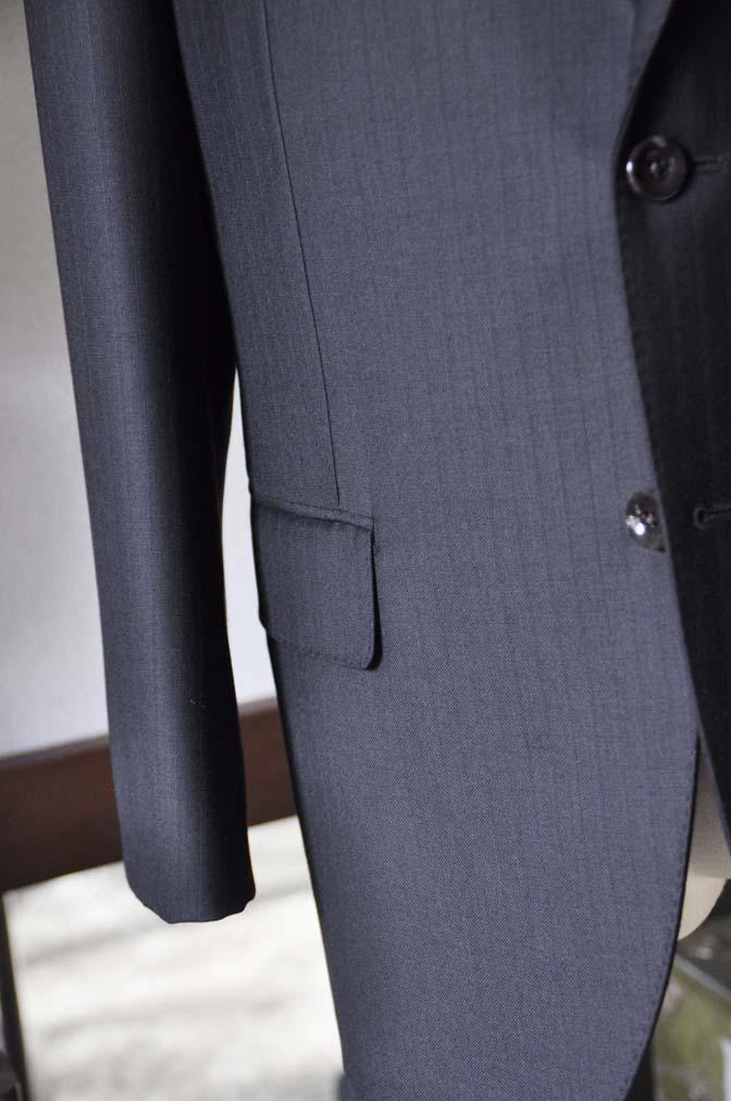 DSC0886-5 お客様のスーツの紹介-DUGDALEブラックストライプスーツ- 名古屋の完全予約制オーダースーツ専門店DEFFERT