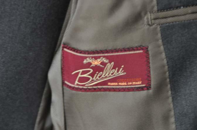 DSC08861 お客様のスーツの紹介-Biellesi 無地チャコールグレースリーピース- 名古屋の完全予約制オーダースーツ専門店DEFFERT