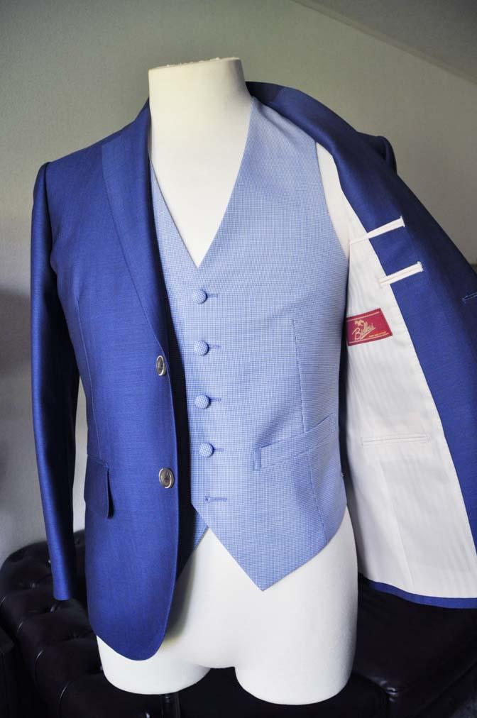 DSC0887-1 お客様のハワイウエディング衣装の紹介- ネイビージャケット、ブルー千鳥格子ベスト、ホワイトパンツ- 名古屋の完全予約制オーダースーツ専門店DEFFERT