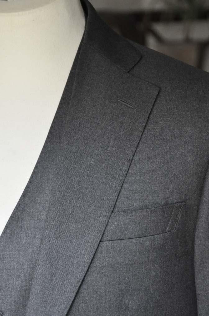 DSC0888 お客様のスーツの紹介-Biellesi 無地チャコールグレースリーピース- 名古屋の完全予約制オーダースーツ専門店DEFFERT