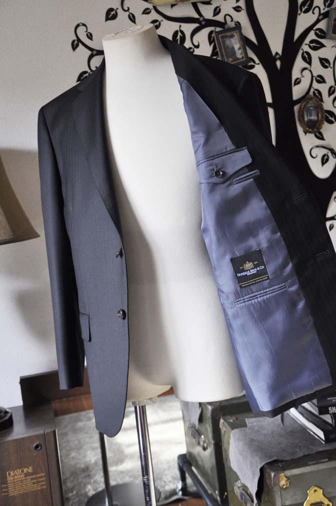 DSC0889-5 お客様のスーツの紹介-DUGDALEブラックストライプスーツ- 名古屋の完全予約制オーダースーツ専門店DEFFERT