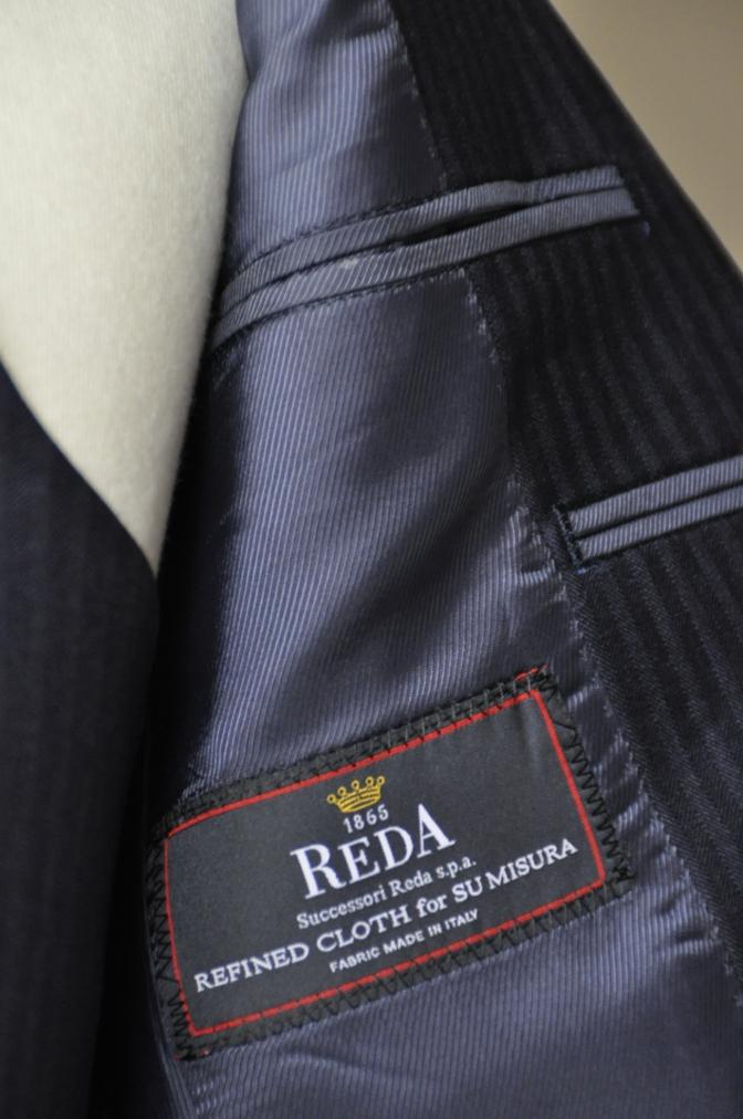 DSC0891 お客様のスーツの紹介-REDA ネイビーシャドーストライプ スリーピース-