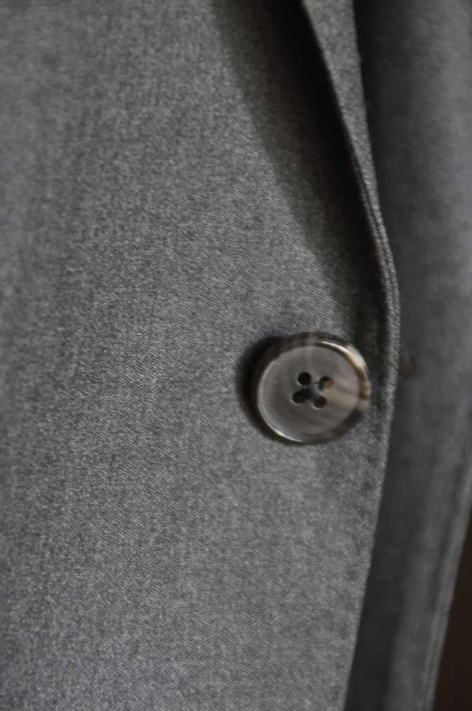 DSC08931 お客様のスーツの紹介-Biellesi 無地チャコールグレースリーピース- 名古屋の完全予約制オーダースーツ専門店DEFFERT