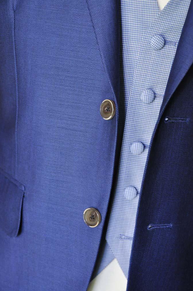 DSC0894-2 お客様のハワイウエディング衣装の紹介- ネイビージャケット、ブルー千鳥格子ベスト、ホワイトパンツ- 名古屋の完全予約制オーダースーツ専門店DEFFERT