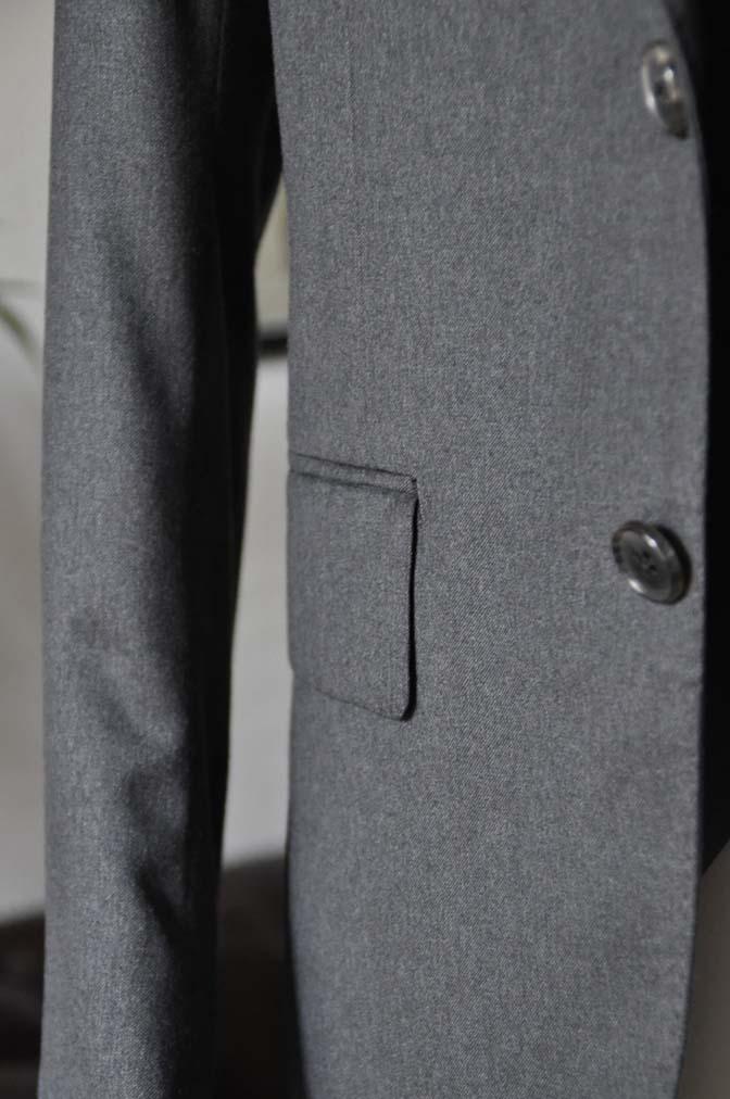 DSC08961 お客様のスーツの紹介-Biellesi 無地チャコールグレースリーピース- 名古屋の完全予約制オーダースーツ専門店DEFFERT