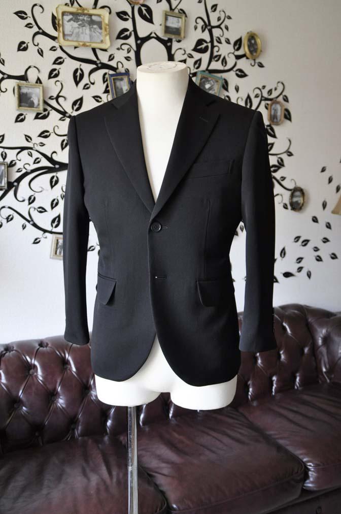 DSC0898-4 お客様のスーツの紹介-無地ブラックスーツ-