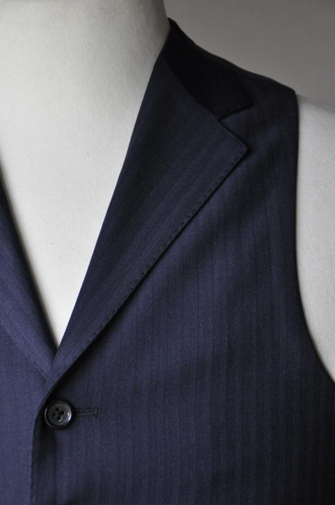 DSC09011 お客様のスーツの紹介-REDA ネイビーシャドーストライプ スリーピース-