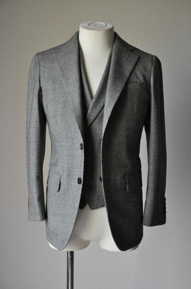 DSC09021 お客様のスーツの紹介-千鳥格子フランネル ダブルのベストでのスリーピース- 名古屋の完全予約制オーダースーツ専門店DEFFERT