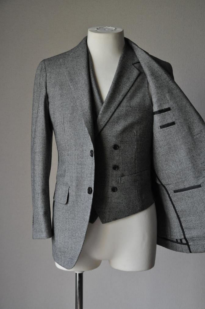 DSC09031 お客様のスーツの紹介-千鳥格子フランネル ダブルのベストでのスリーピース- 名古屋の完全予約制オーダースーツ専門店DEFFERT