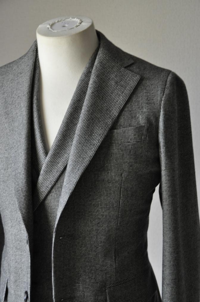 DSC09051 お客様のスーツの紹介-千鳥格子フランネル ダブルのベストでのスリーピース- 名古屋の完全予約制オーダースーツ専門店DEFFERT