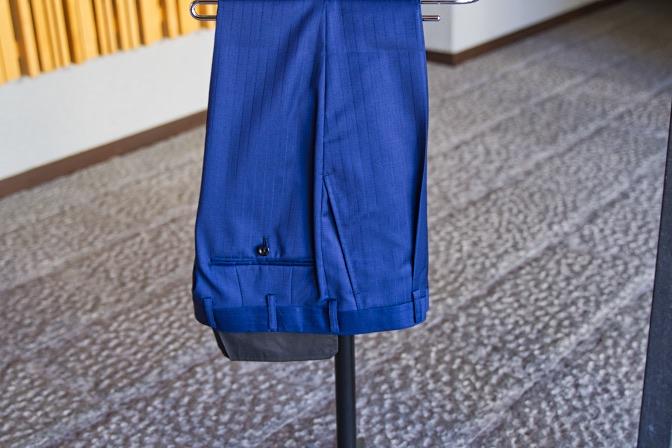 DSC09056 オーダースーツの紹介-Biellesiネイビーストライプ ダブルスーツ-