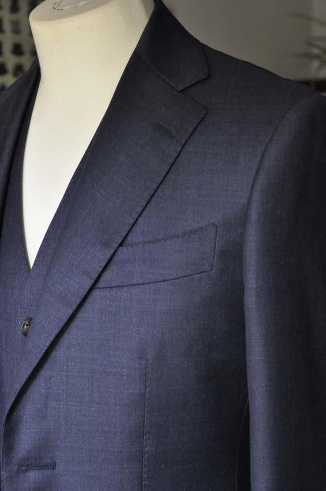 DSC09082 スーツの紹介- 御幸毛織 無地ネイビースリーピースグレー-