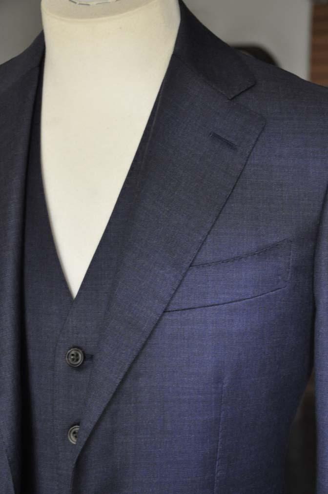 DSC09093 スーツの紹介- 御幸毛織 無地ネイビースリーピースグレー-