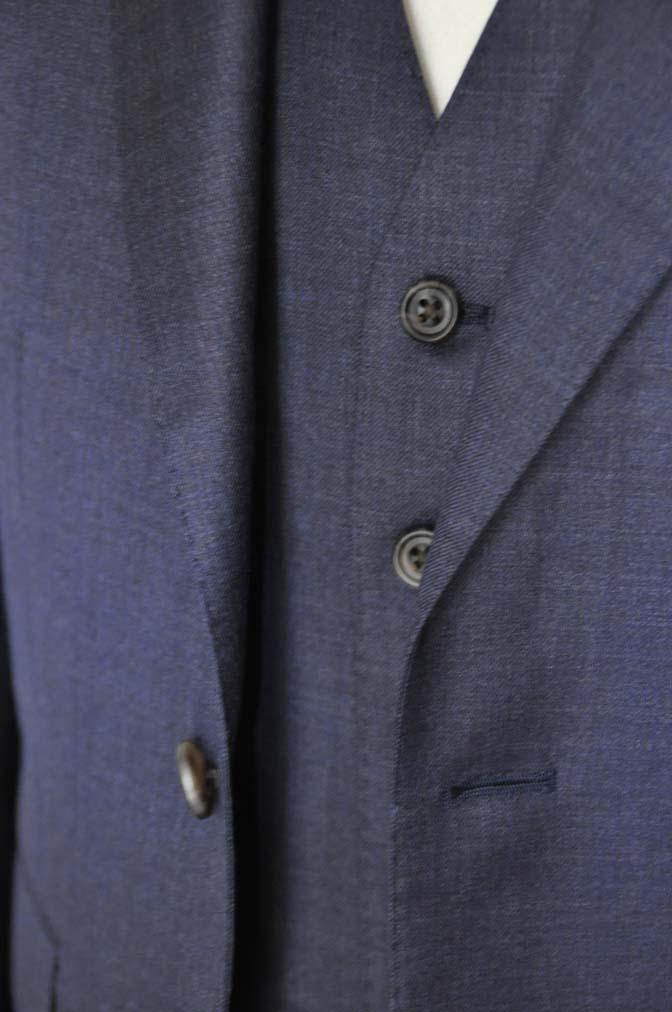 DSC09122 スーツの紹介- 御幸毛織 無地ネイビースリーピースグレー-