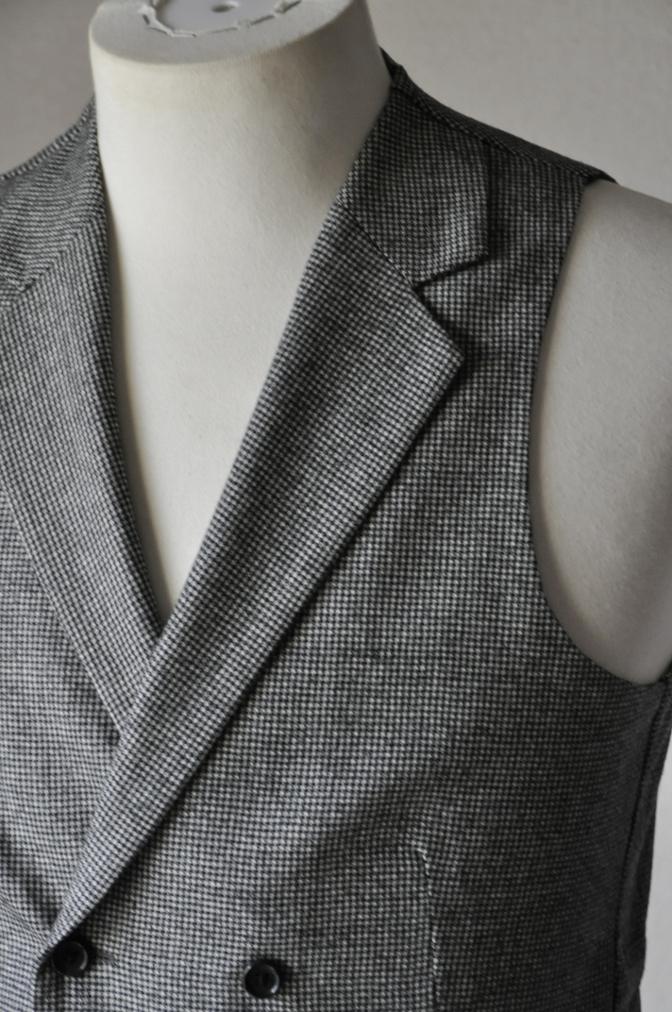 DSC09131 お客様のスーツの紹介-千鳥格子フランネル ダブルのベストでのスリーピース- 名古屋の完全予約制オーダースーツ専門店DEFFERT