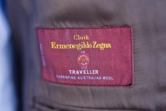 DSC09150 オーダースーツの紹介-Ermenegild Zegna TRAVELLER無地ネイビースーツ-