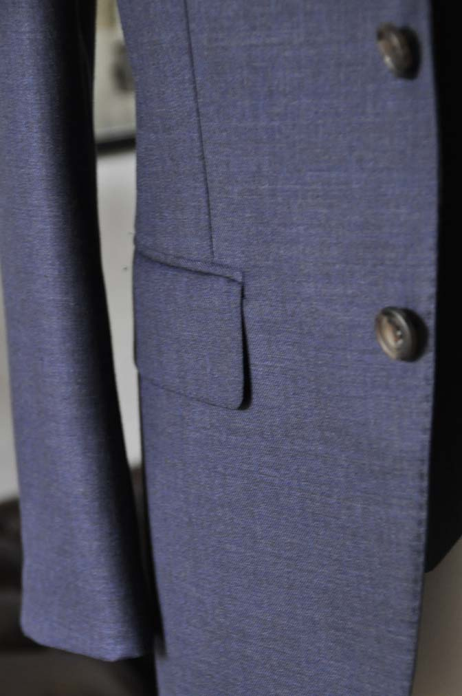 DSC0917 スーツの紹介- 御幸毛織 無地ネイビースリーピースグレー-