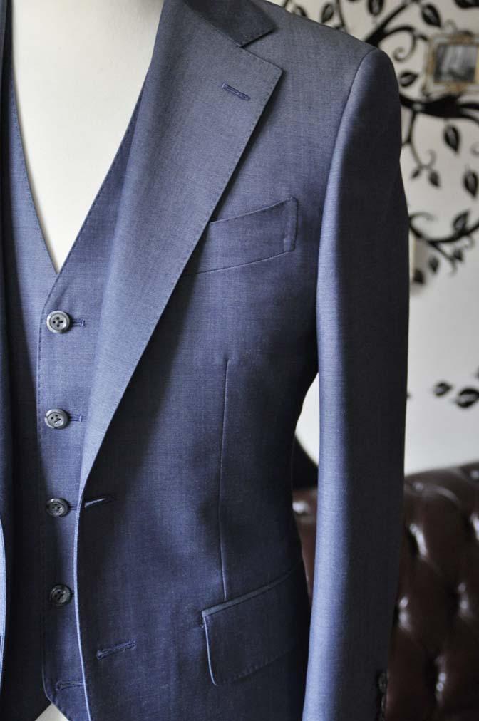 DSC0919-4 お客様のスーツの紹介-SCABAL GOLDEN RIBBON無地ネイビースリーピース-
