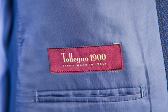 DSC09234 オーダースーツの紹介-Tollegnoネイビーストライプスーツ-