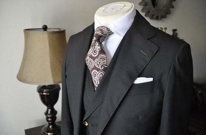 DSC0933-1-672x442 お客様のスーツの紹介 名古屋の完全予約制オーダースーツ専門店DEFFERT