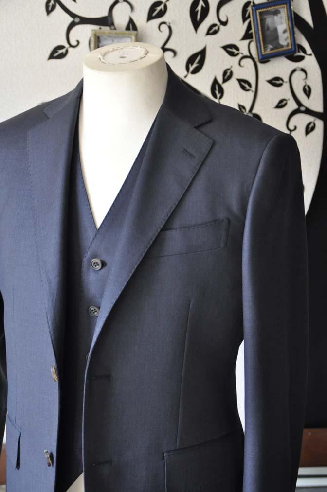 DSC0945-1 お客様のスーツの紹介-Biellesi 無地ネイビースリーピース- 名古屋の完全予約制オーダースーツ専門店DEFFERT
