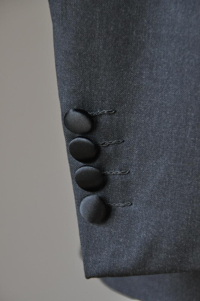 DSC09501 お客様のスーツの紹介-BIELLESI チャコールグレータキシード-