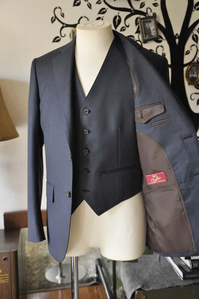 DSC0952-2 お客様のスーツの紹介-Biellesi 無地ネイビースリーピース- 名古屋の完全予約制オーダースーツ専門店DEFFERT