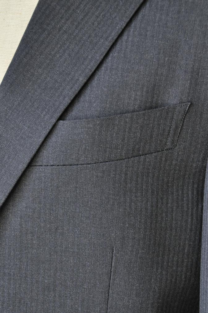 DSC09521 お客様のスーツの紹介-BIELLESI チャコールグレーヘリンボーンスーツ-
