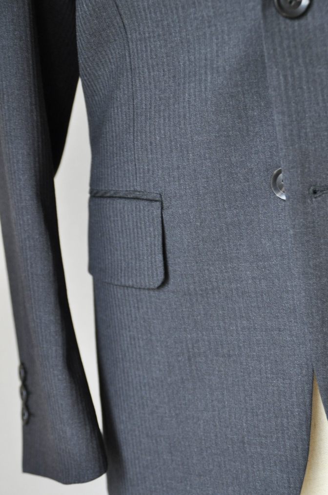 DSC09542 お客様のスーツの紹介-BIELLESI チャコールグレーヘリンボーンスーツ-