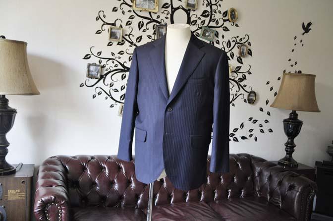 DSC0956-2 お客様のスーツの紹介-CANONICOネイビーストライプスーツ-