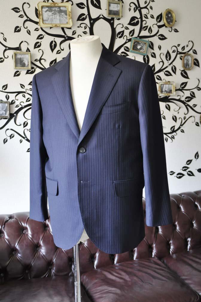 DSC0959-1 お客様のスーツの紹介-CANONICOネイビーストライプスーツ-