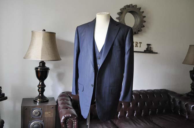 DSC0959 お客様のスーツの紹介-ネイビーストライプスーツ-