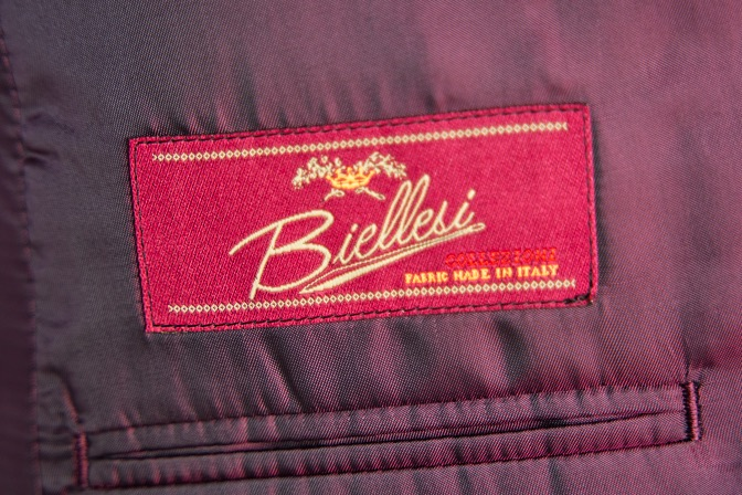 DSC09593 オーダースーツの紹介-Biellesiブラウンスーツ-