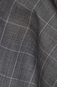 DSC0961-199x300 今季のトレンド-スーツ生地-