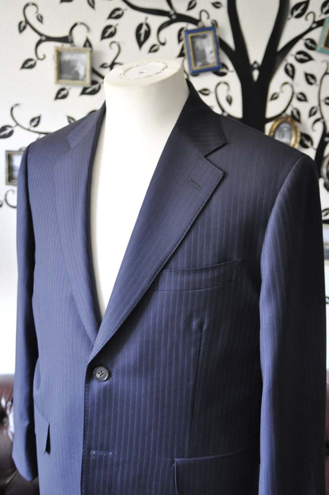 DSC0969-3 お客様のスーツの紹介-CANONICOネイビーストライプスーツ-