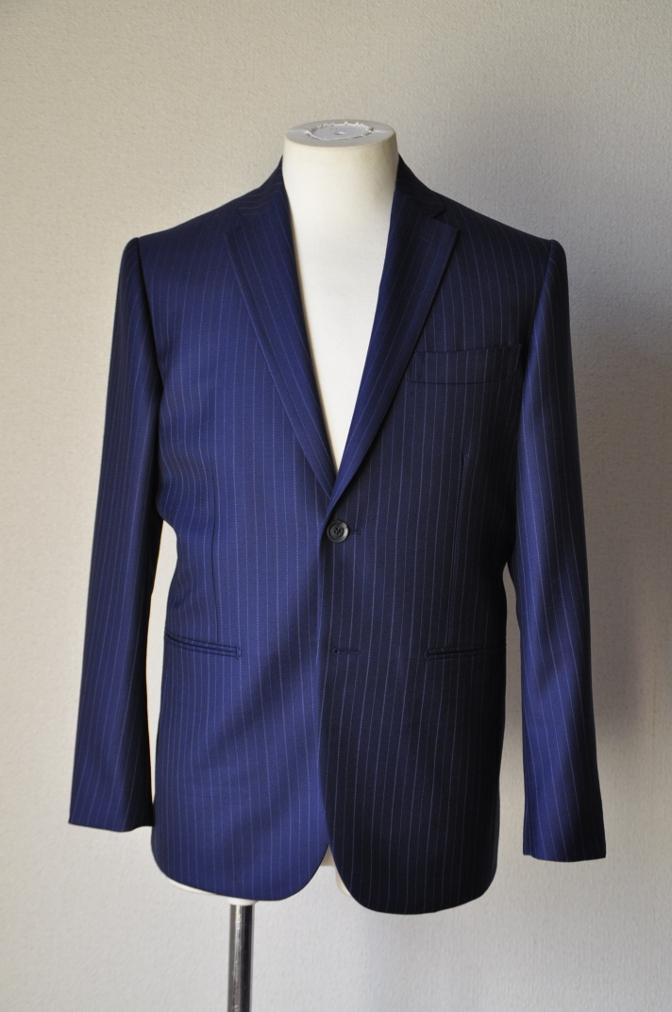 DSC0971 お客様のスーツの紹介-CANONICO ネイビーストライプ-