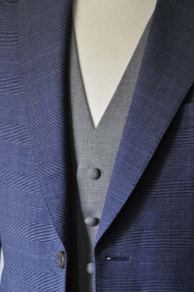 DSC0972-1 お客様のウエディング衣装の紹介- Biellesi ネイビーチェックスーツ グレーベスト-