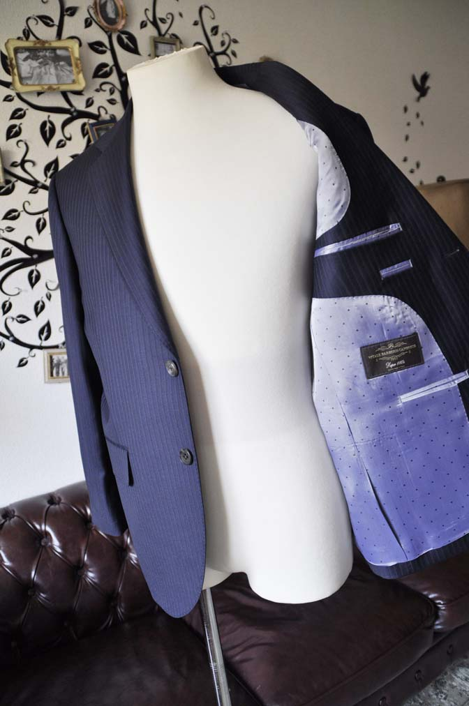 DSC0975-1 お客様のスーツの紹介-CANONICOネイビーストライプスーツ-