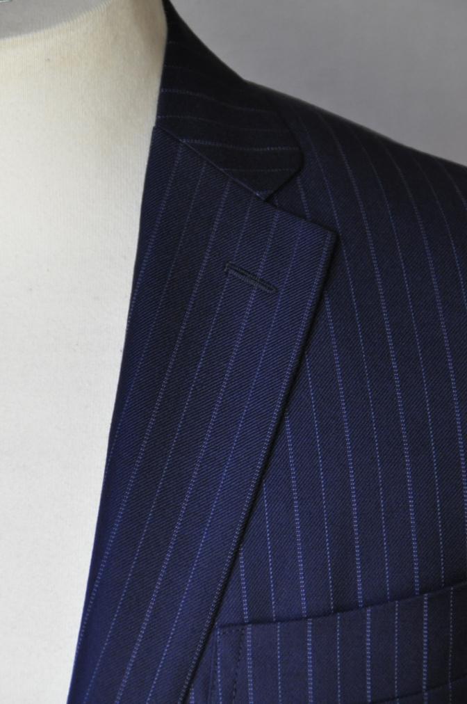 DSC09762 お客様のスーツの紹介-CANONICO ネイビーストライプ-