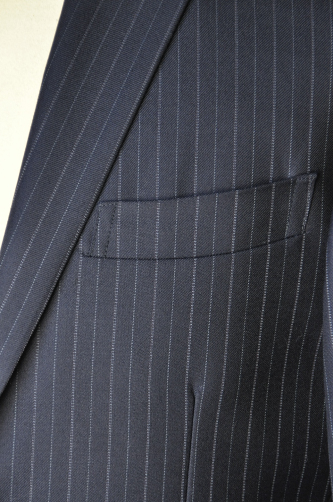 DSC09772 お客様のスーツの紹介-CANONICO ネイビーストライプ-