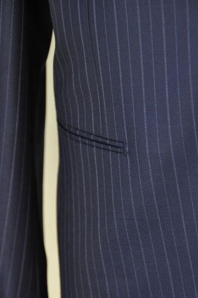 DSC09792 お客様のスーツの紹介-CANONICO ネイビーストライプ-